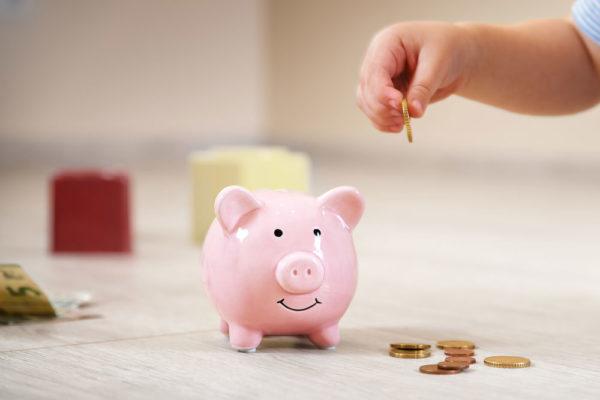 Выплаты на детей от 3 до 7 лет в 2020 году: кому положены, как получить пособие, какие документы нужны