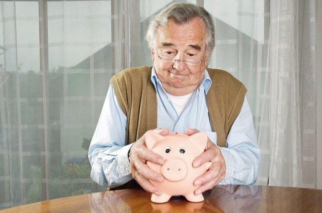 Алименты на родителей пенсионеров от детей: размер выплаты по семейному кодексу, должны ли платить дети содержание родителям по старости, как определить сумму