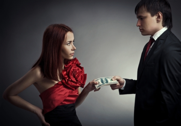 Платит ли алименты родитель, лишенный родительских прав, должны ли если отец или мать лишены прав их платить?